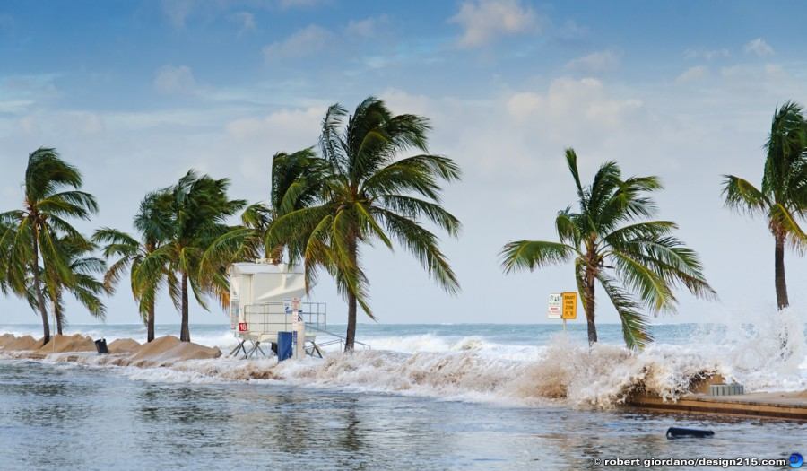 A1A Flooding, Fort Lauderdale - Oct 26 2012 Waves Spill Over Wall, photo by Robert Giordano