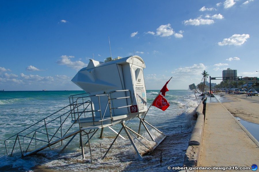 Nov 22 2012 Lifeguard Stand in the Ocean - A1A Flooding, Fort Lauderdale