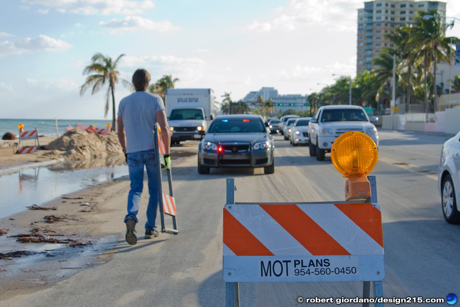 Nov 22 2012 Two Lanes of A1A Closed - A1A Flooding, Fort Lauderdale