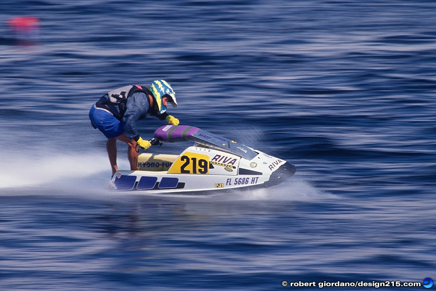 Action Photography - Jet Ski Racing, photo by Robert Giordano