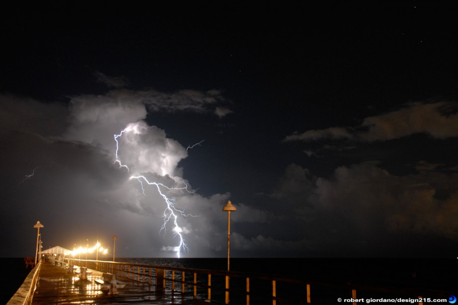Fort Lauderdale, FL - Lightning off Anglins Fishing Pier, photo by Robert Giordano