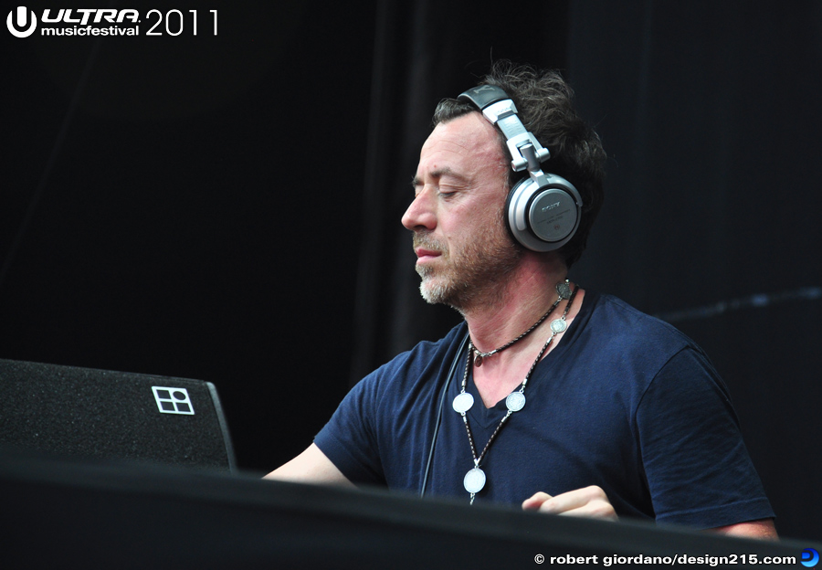 2011 Ultra Music Festival - Benny Benassi, Main Stage #0029, photo by Robert Giordano