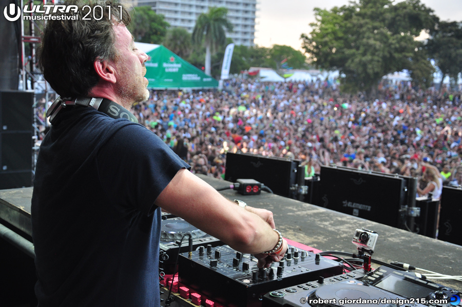 2011 Ultra Music Festival - Benny Benassi, Main Stage #0055, photo by Robert Giordano