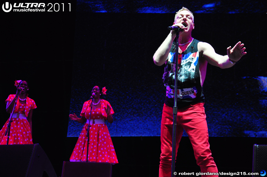 2011 Ultra Music Festival - Erasure, Main Stage #0124, photo by Robert Giordano