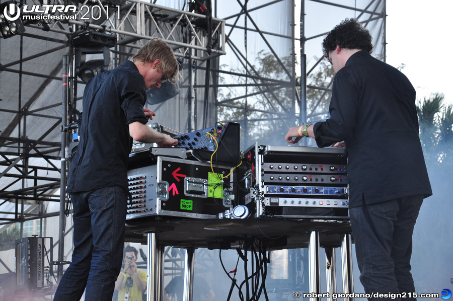 2011 Ultra Music Festival - Simian Mobile Disco, Live Stage #0838, photo by Robert Giordano