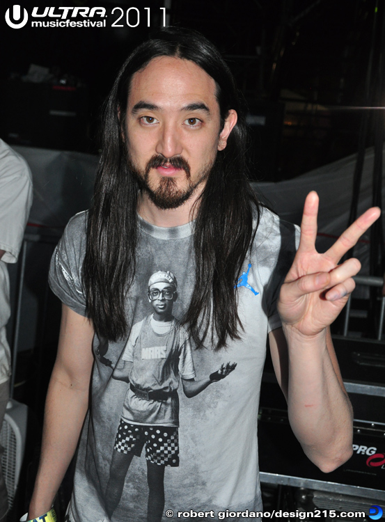Steve Aoki backstage #0985 - 2011 Ultra Music Festival