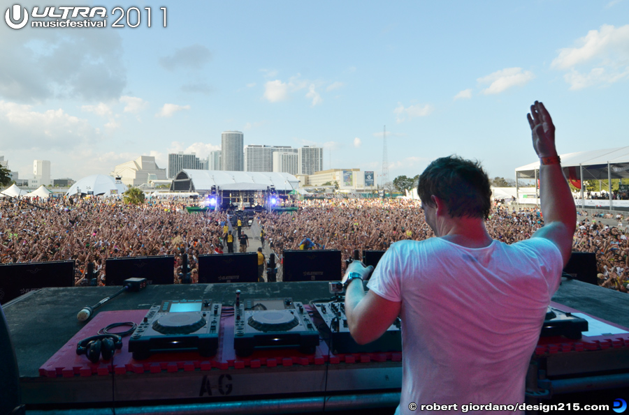 2011 Ultra Music Festival - Fedde le Grand Set, Main Stage #1125, photo by Robert Giordano