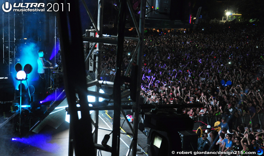 2011 Ultra Music Festival - Deadmau5, Main Stage #1273, photo by Robert Giordano