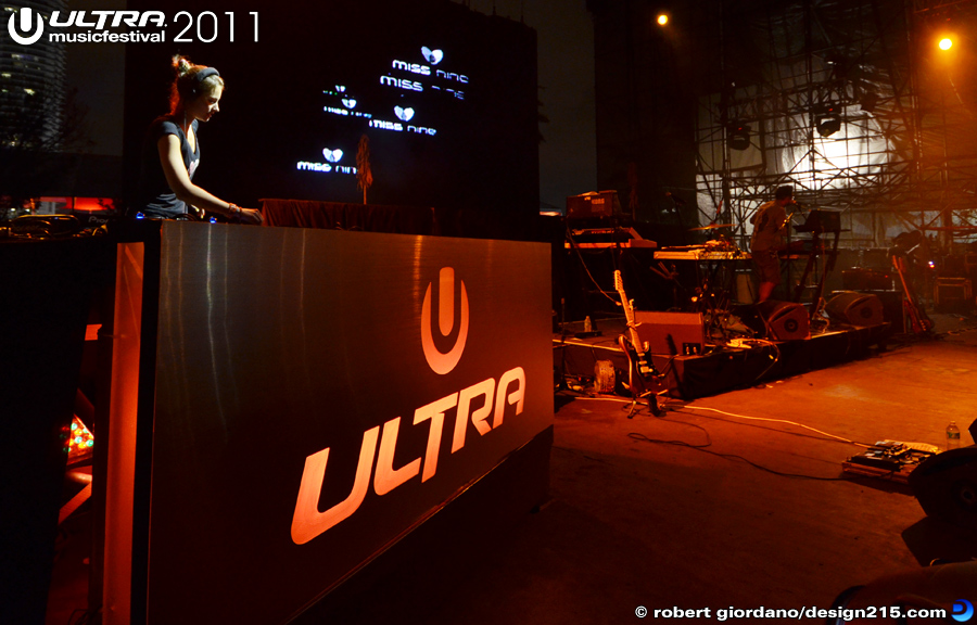 DJ Miss Nine, Live Stage #1324 - 2011 Ultra Music Festival