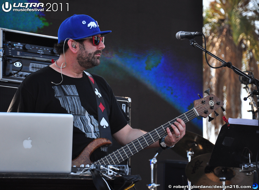 2011 Ultra Music Festival - Disco Biscuits, Live Stage #1671, photo by Robert Giordano