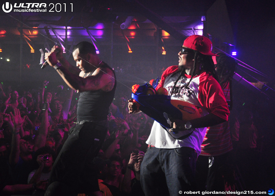 2011 Ultra Music Festival - Flo Rida and Friends, Main Stage, photo by Robert Giordano
