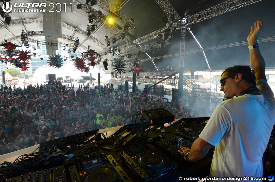 Yousef, Carl Cox Tent - 2011 Ultra Music Festival