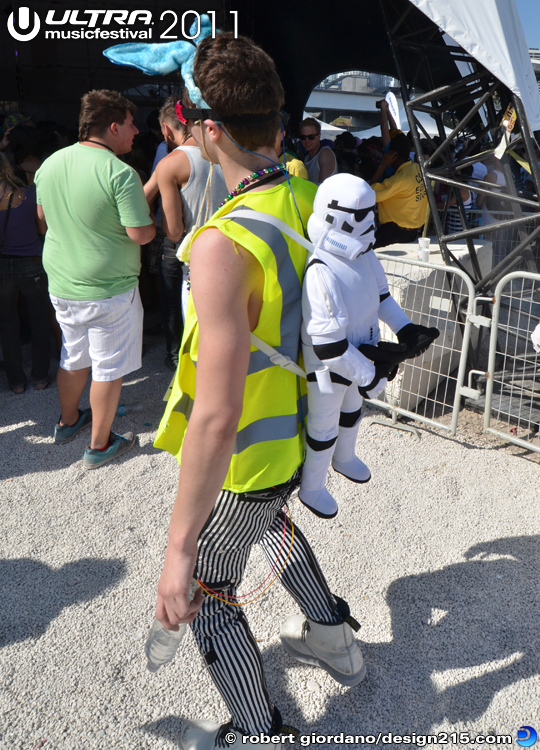 2011 Ultra Music Festival - Stormtrooper Backpack, photo by Robert Giordano