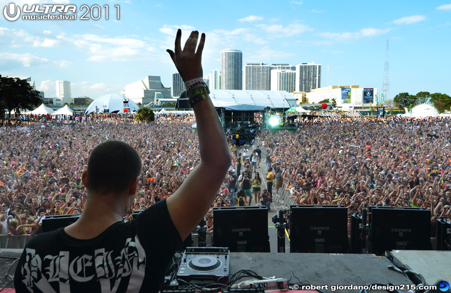 Afrojack, Main Stage #2436 - 2011 Ultra Music Festival