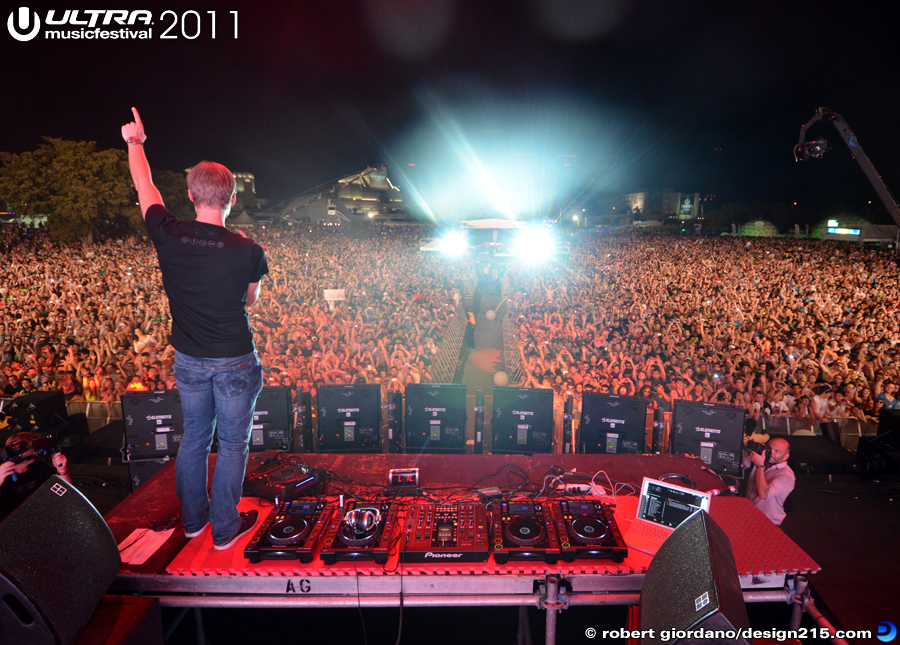 2011 Ultra Music Festival - Armin Van Buuren, Main Stage #2724, photo by Robert Giordano