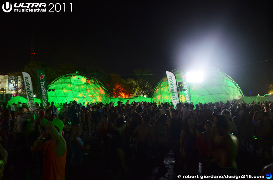 2011 Ultra Music Festival - Heineken Dome at Night, Day 2, photo by Robert Giordano