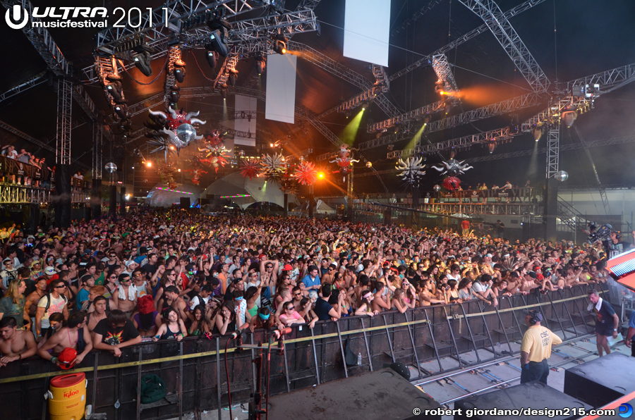 Carl Cox, Day 2 #2903 - 2011 Ultra Music Festival