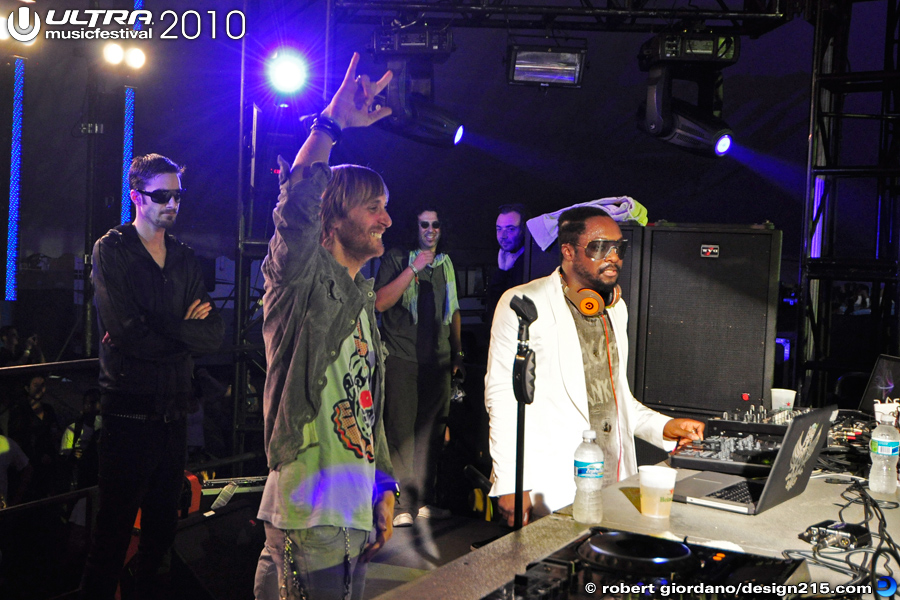 2010 Ultra Music Festival - Will I Am with David Guetta, UMF Ibiza Arena, photo by Robert Giordano
