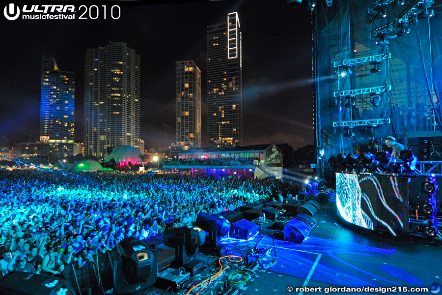 Tiesto, Main Stage, Day 1 #5237 - 2010 Ultra Music Festival