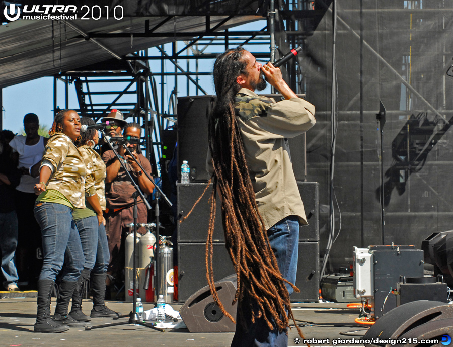 2010 Ultra Music Festival - Damiam Marley and Nas, Main Stage, photo by Robert Giordano