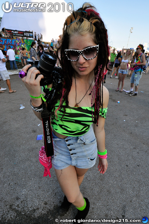 2010 Ultra Music Festival - People at Ultra, Day 2 #5658, photo by Robert Giordano