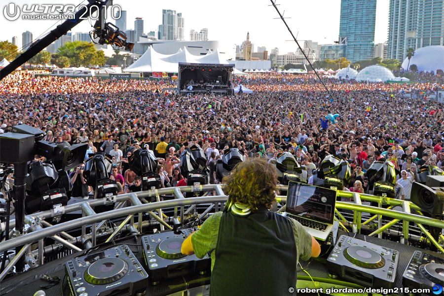 Benny Benassi, Main Stage, Day 2 - 2010 Ultra Music Festival