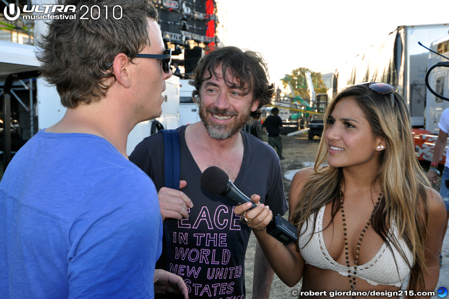 Backstage with the Press - 2010 Ultra Music Festival
