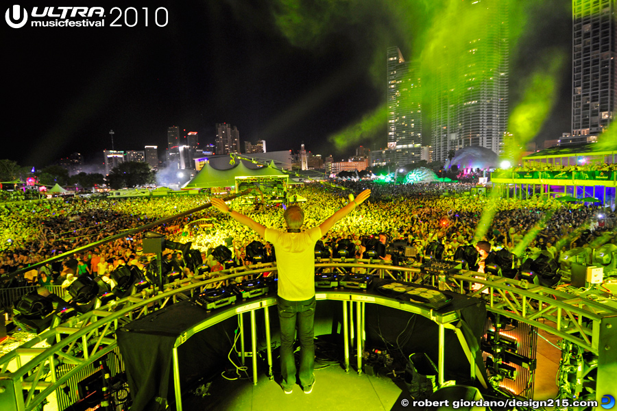 2010 Ultra Music Festival - Armin Van Buuren, Main Stage, Day 2, photo by Robert Giordano